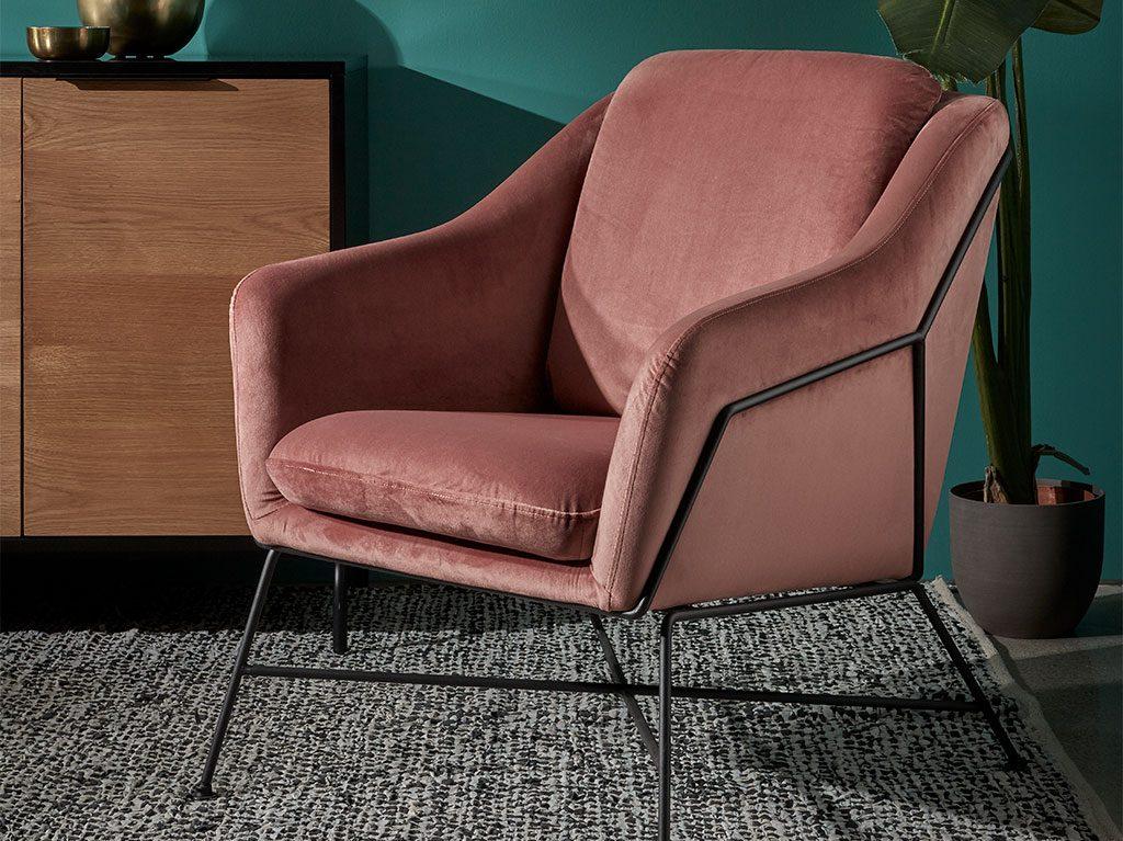 temporada-interiorismo-decoracion-butaca-velvet-salon-diseño-1024x767
