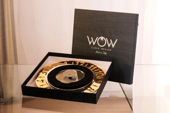Wow clock packaging