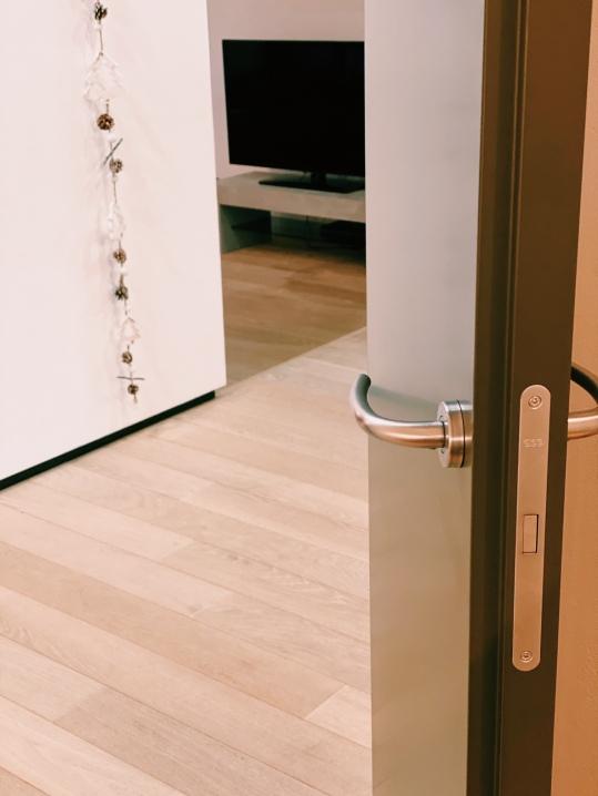 Forte spessore della porta
